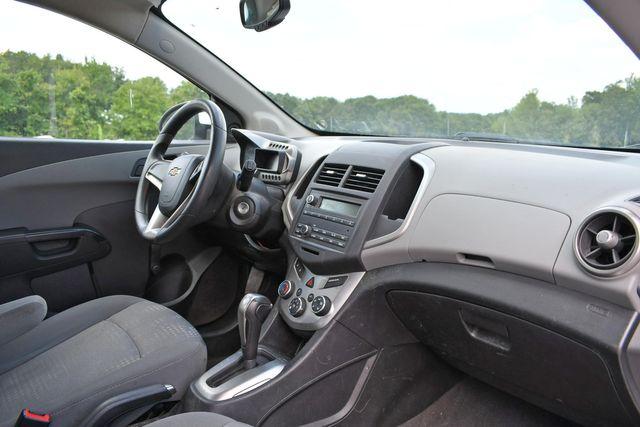 2015 Chevrolet Sonic LS Naugatuck, Connecticut 8