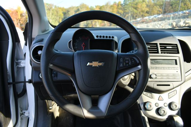 2015 Chevrolet Sonic LS Naugatuck, Connecticut 19