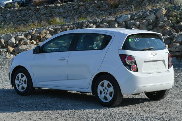 2015 Chevrolet Sonic LS Naugatuck, Connecticut 2