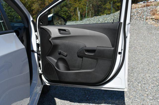 2015 Chevrolet Sonic LS Naugatuck, Connecticut 10
