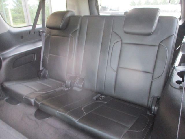 2015 Chevrolet Suburban LT Farmington, MN 4