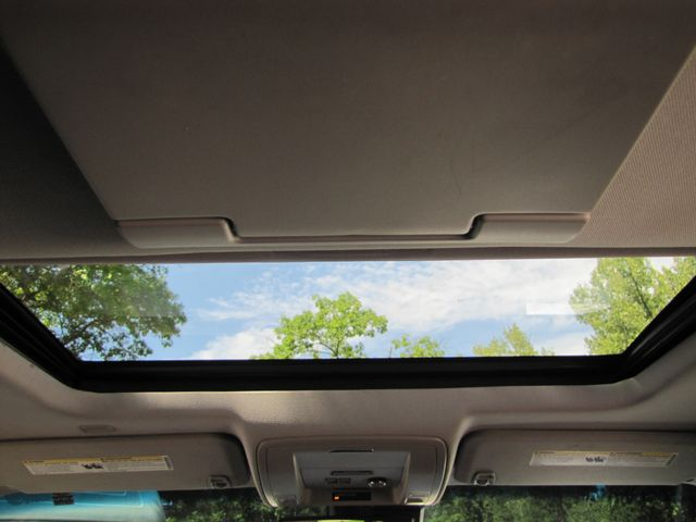 2015 Chevrolet Suburban LT St. Louis, Missouri 12