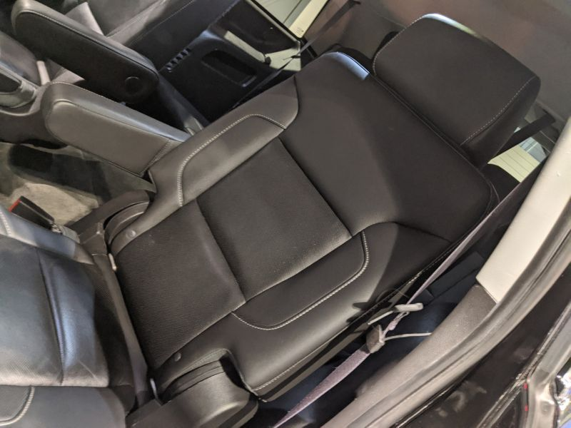 2015 Chevrolet Tahoe LTZ  Lake Forest IL  Executive Motor Carz  in Lake Forest, IL
