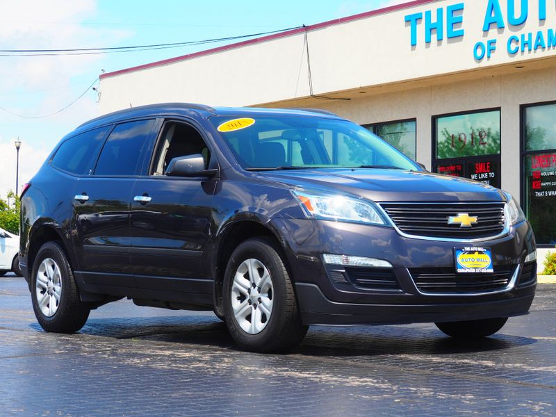 2015 Chevrolet Traverse LS | Champaign, Illinois | The Auto Mall of Champaign in Champaign Illinois