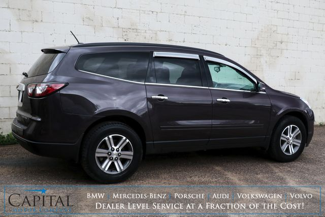 2015 Chevrolet Traverse LT Sport Utility w/3rd Row Seats, Touchscreen, Backup Cam, Heated Seats & Tow Pkg in Eau Claire, Wisconsin 54703