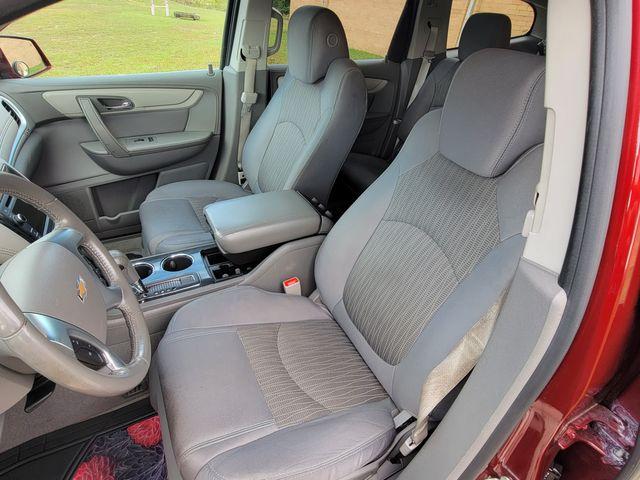 2015 Chevrolet Traverse LT in Hope Mills, NC 28348