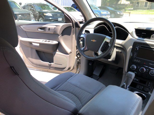 2015 Chevrolet Traverse LT Houston, TX 27