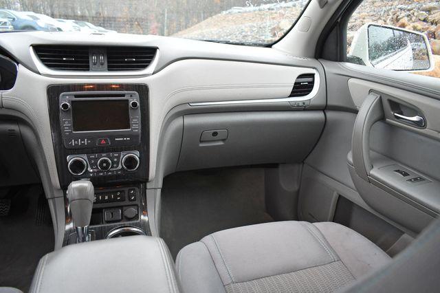 2015 Chevrolet Traverse LT Naugatuck, Connecticut 15
