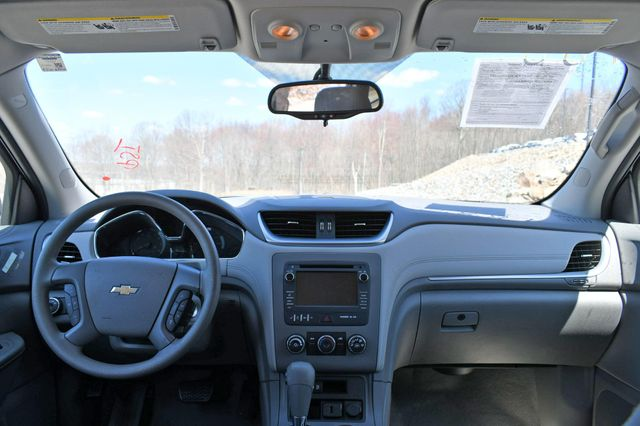 2015 Chevrolet Traverse LS AWD Naugatuck, Connecticut 20