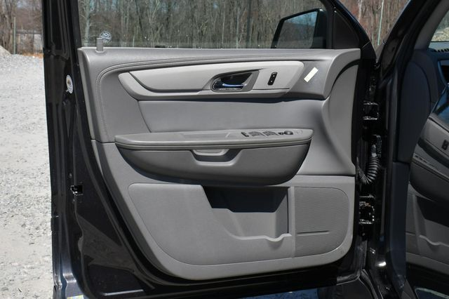 2015 Chevrolet Traverse LS AWD Naugatuck, Connecticut 22