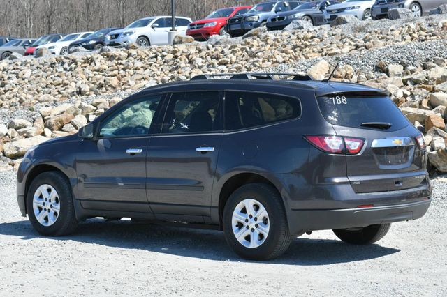 2015 Chevrolet Traverse LS AWD Naugatuck, Connecticut 4