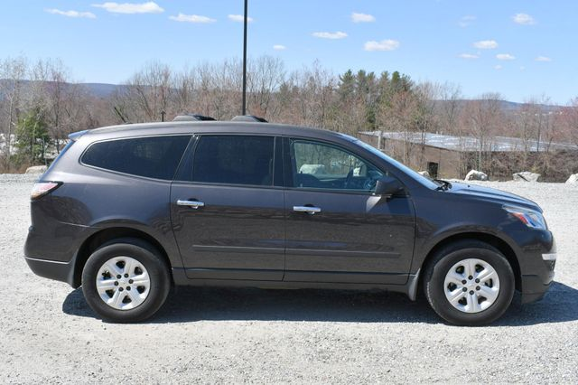 2015 Chevrolet Traverse LS AWD Naugatuck, Connecticut 7