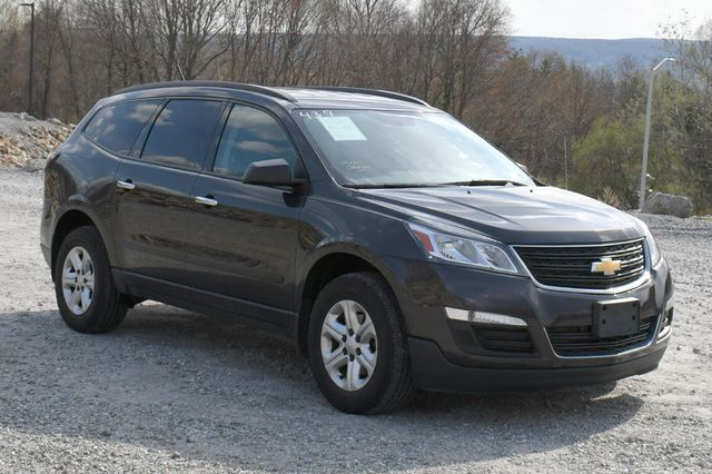 2015 Chevrolet Traverse LS Naugatuck, Connecticut 8