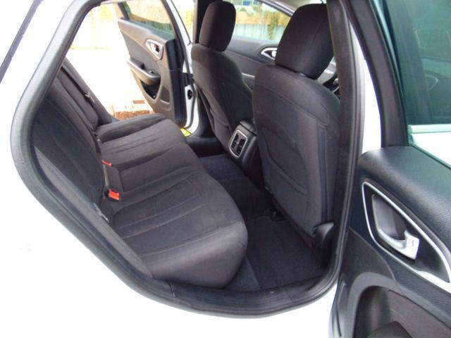 2015 Chrysler 200 Limited Alexandria, Minnesota 9