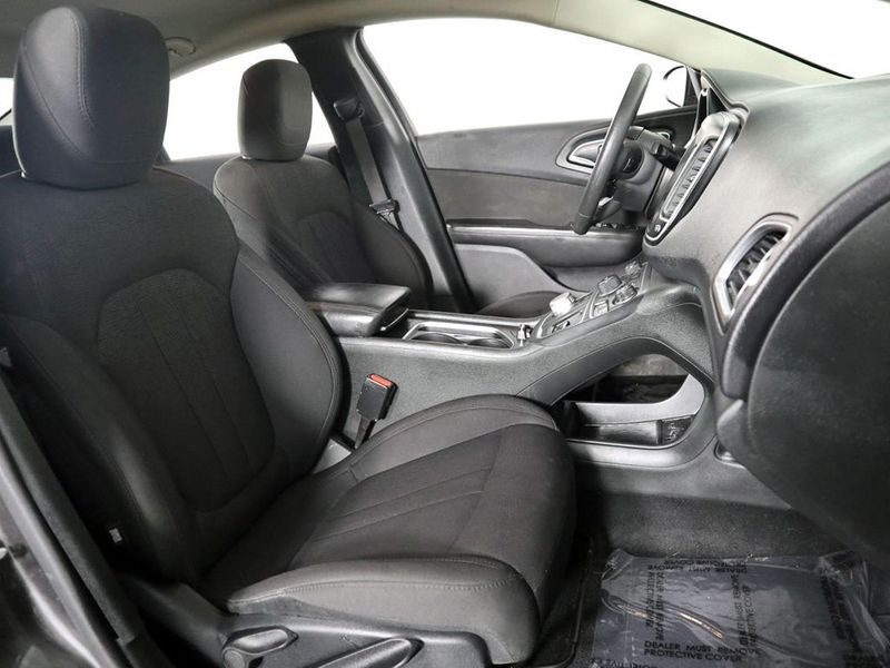 2015 Chrysler 200 Limited  city Ohio  North Coast Auto Mall of Cleveland  in Cleveland, Ohio