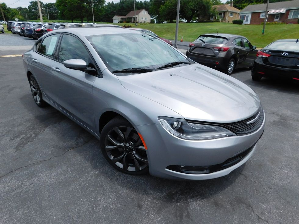 2015 Chrysler 200 S Ephrata Pa Oregon Pike Motors