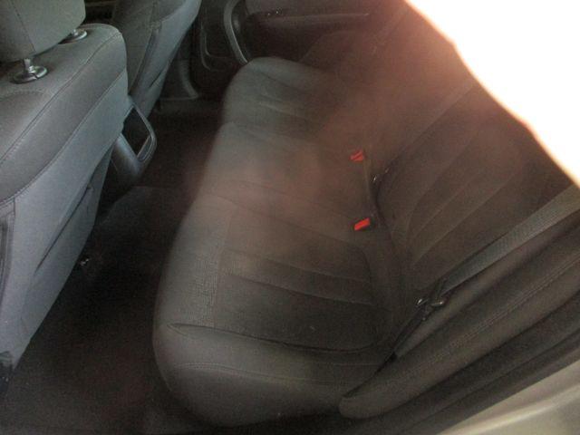 2015 Chrysler 200 LX Farmington, MN 4