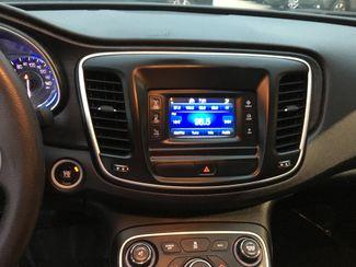 2015 Chrysler 200 Limited Farmington, MN 4