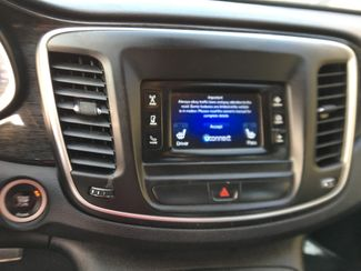 2015 Chrysler 200 C Farmington, MN 4