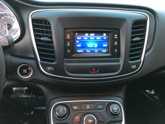2015 Chrysler 200 Limited Farmington, MN 6