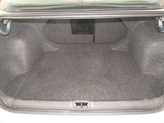 2015 Chrysler 200 Limited Gardena, California 11