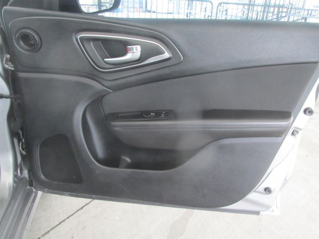 2015 Chrysler 200 Limited Gardena, California 13