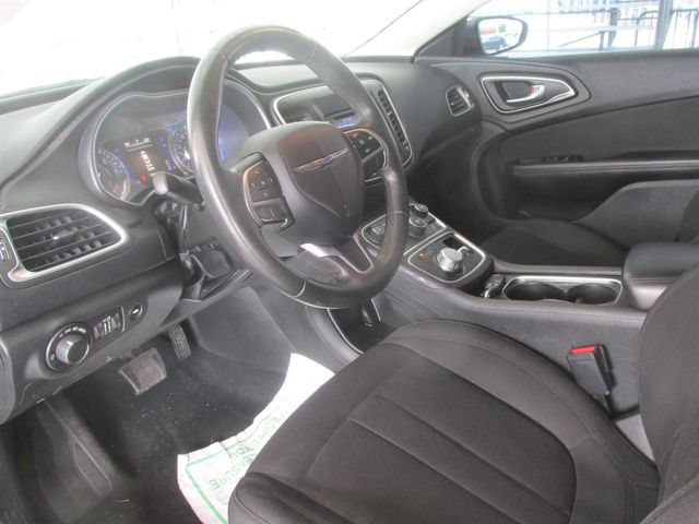 2015 Chrysler 200 Limited Gardena, California 4