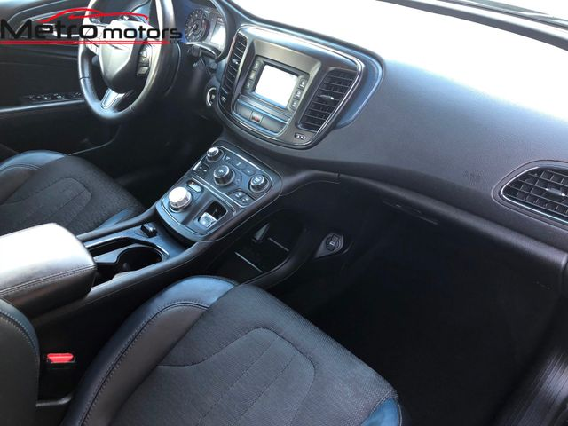 2015 Chrysler 200 S Knoxville , Tennessee 63