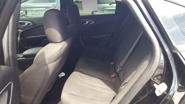 2015 Chrysler 200 Limited AUTOWORLD (702) 452-8488 Las Vegas, Nevada 5