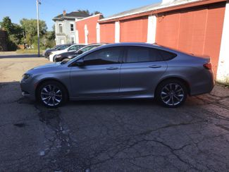 2015 Chrysler 200 S in Mansfield, OH 44903