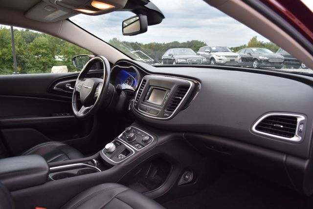 2015 Chrysler 200 C Naugatuck, Connecticut 9