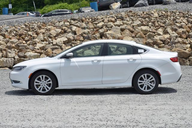 2015 Chrysler 200 Limited Naugatuck, Connecticut 1