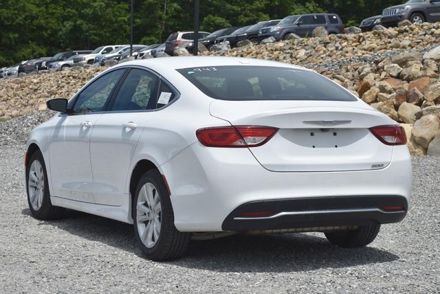 2015 Chrysler 200 Limited Naugatuck, Connecticut 2