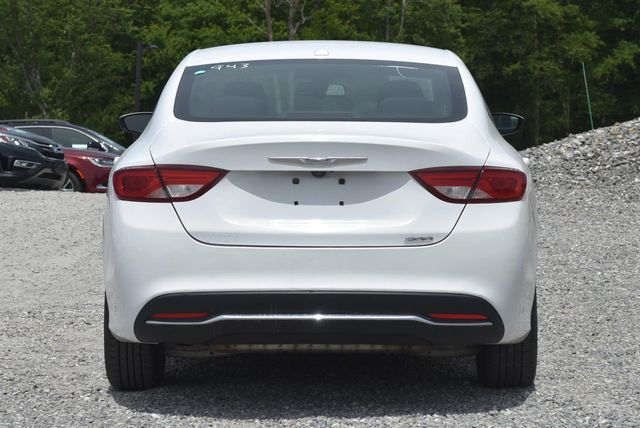 2015 Chrysler 200 Limited Naugatuck, Connecticut 3