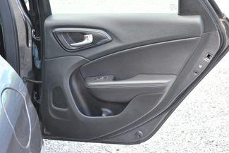 2015 Chrysler 200 S Naugatuck, Connecticut 9
