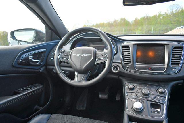 2015 Chrysler 200 S Naugatuck, Connecticut 11