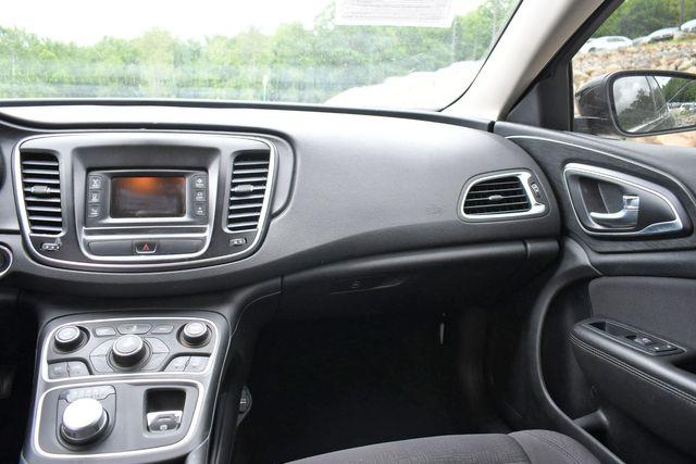2015 Chrysler 200 Limited Naugatuck, Connecticut 17