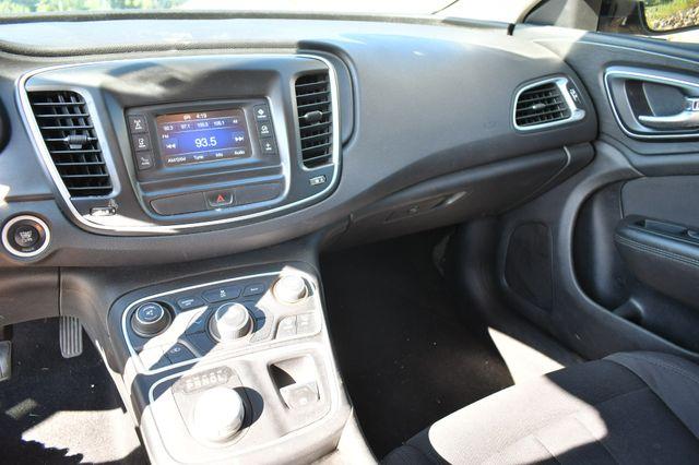 2015 Chrysler 200 Limited Naugatuck, Connecticut 16