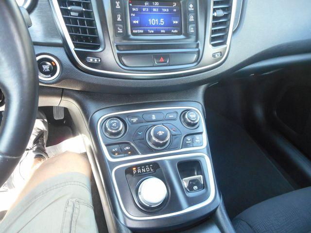 2015 Chrysler 200 Limited New Windsor, New York 16