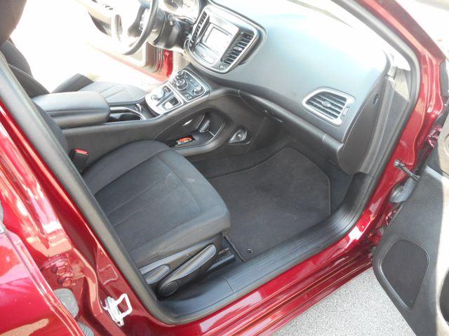 2015 Chrysler 200 Limited New Windsor, New York 21