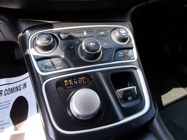 2015 Chrysler 200 Limited Shelbyville, TN 24