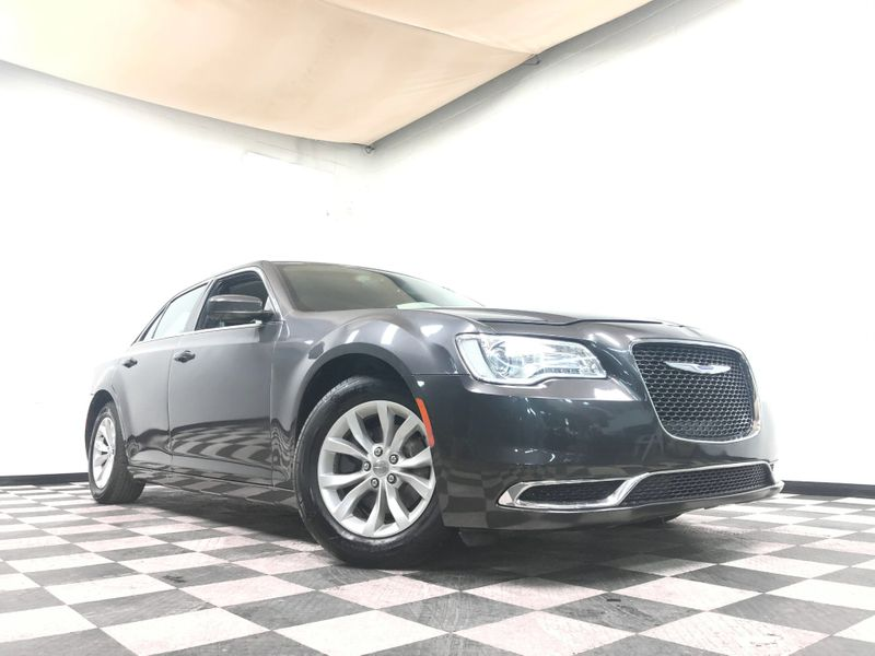 2015 Chrysler 300 *Easy Payment Options* | The Auto Cave