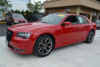 2015 Chrysler 300 in Lynbrook, New