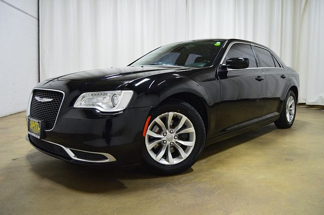 2015 Chrysler 300 Limited W/Sunroof