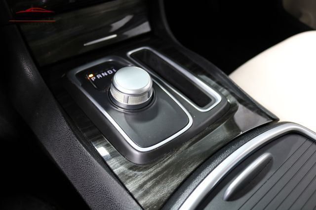 2015 Chrysler 300 Limited Merrillville, Indiana 23