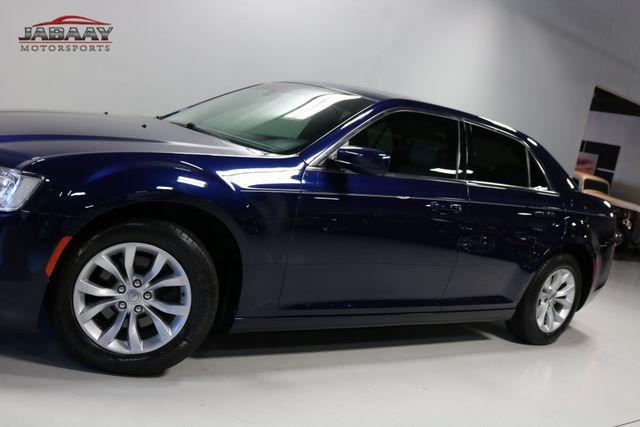 2015 Chrysler 300 Limited Merrillville, Indiana 31
