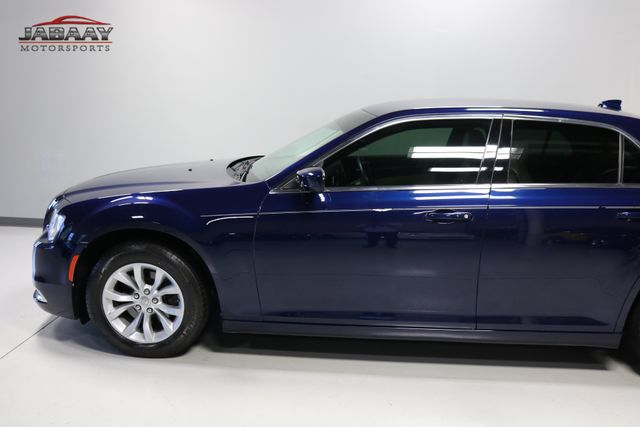 2015 Chrysler 300 Limited Merrillville, Indiana 32