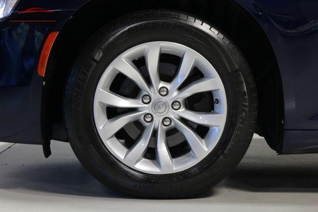 2015 Chrysler 300 Limited Merrillville, Indiana 44