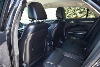 2015 Chrysler 300 Limited Naugatuck, Connecticut 11
