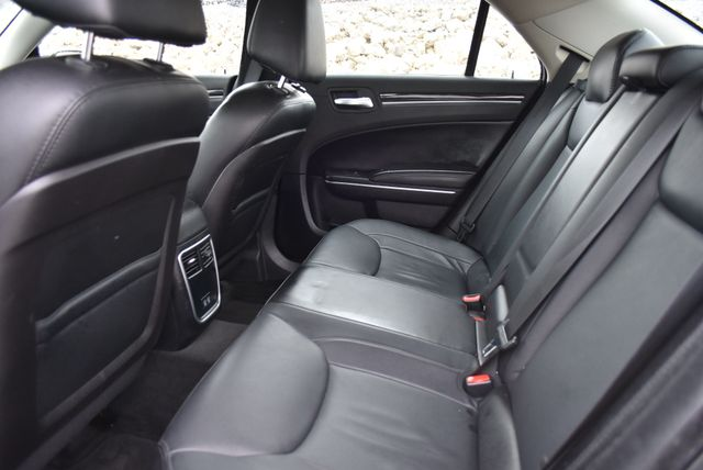 2015 Chrysler 300 Limited Naugatuck, Connecticut 10